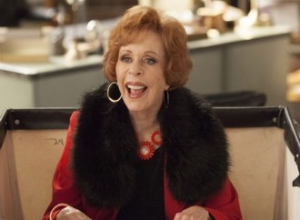 Carol Burnett still delivers letters and laughs