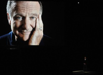 Billy Crystal's Emotional 2014 Emmy Awards Tribute to Robin Williams