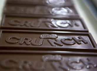 Nestlé removing artificial flavors and colors from its chocolate candies