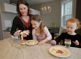 Toddler food often has too much salt, sugar, CDC study says