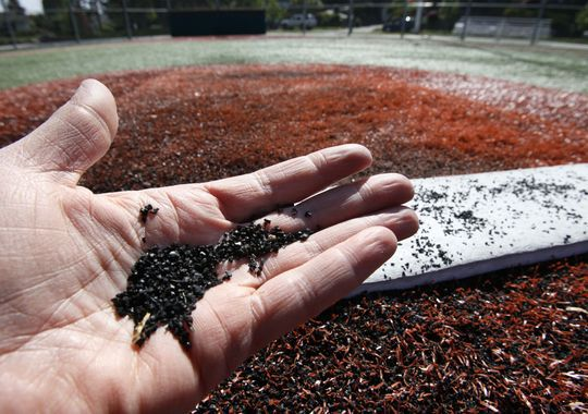 Feds promote artificial turf as safe despite health concerns