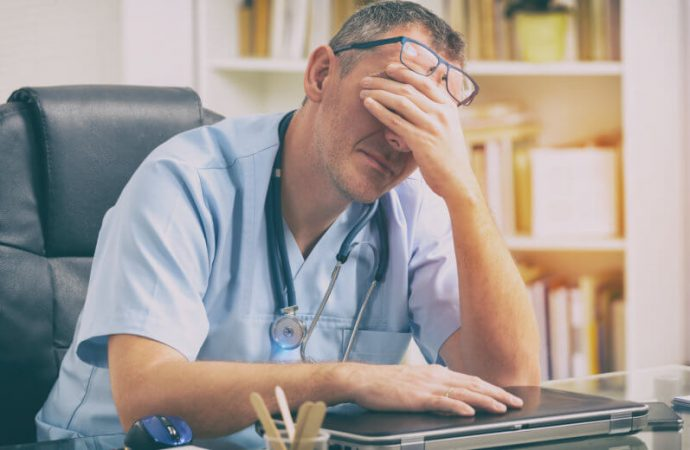 'Doctors Became Overworked Robots': Physician Burnout Jumps Dramatically In 3-Year Study